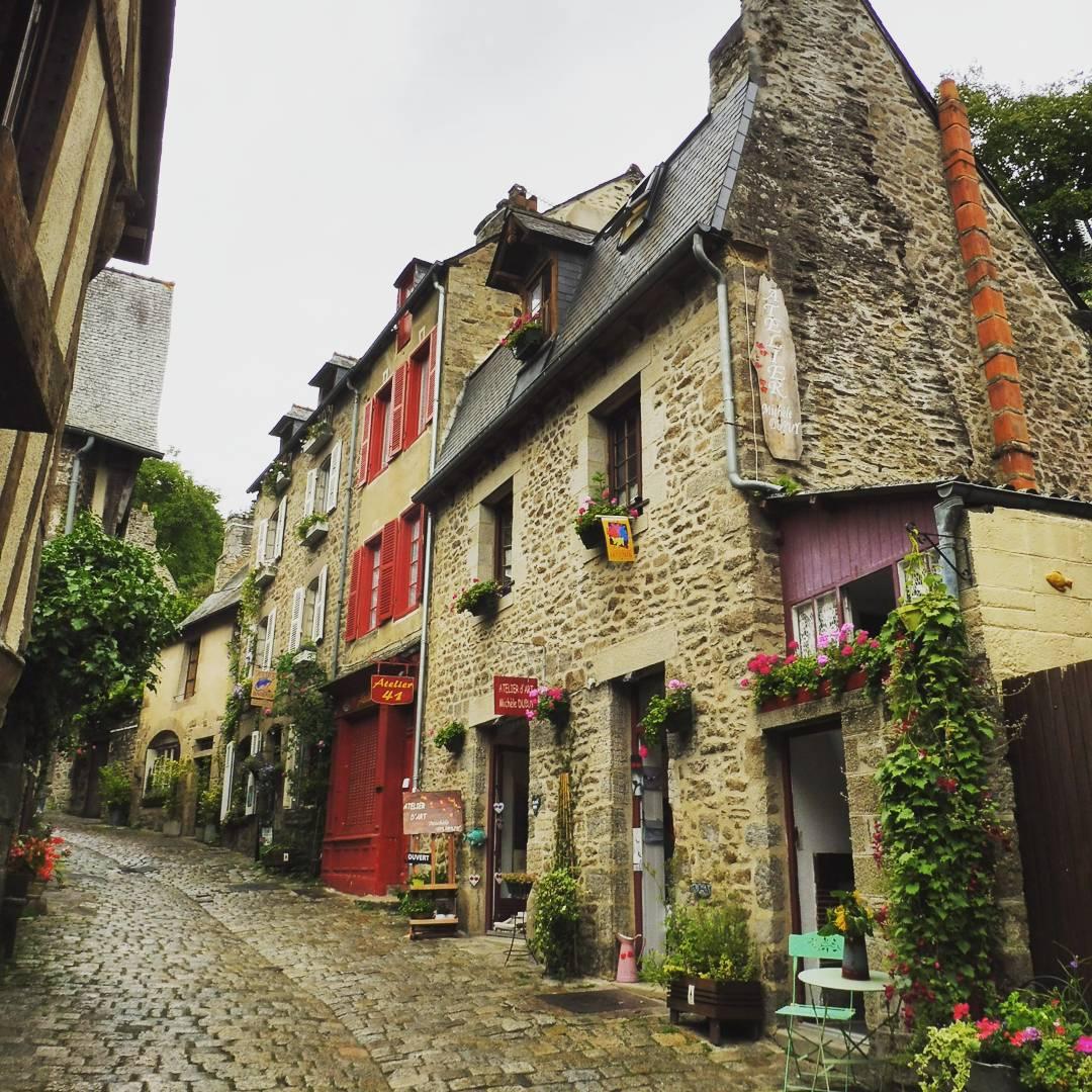 中世の街並みが残るブルターニュ地方【ディナン】の魅力